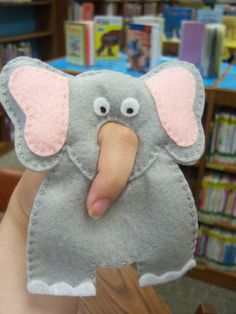 Felt puppet- easy to make and usable both by adults and kids.Use with Too Many Elephants in This House by Ursula Dubosarsky, illustrated by Andrew Joyner, Penguin/Puffin. Flannel Friday: Two Big Elephants Felt Puppets, Felt Finger Puppets, Hand Puppets, Flannel Board Stories, Flannel Boards, Sewing Crafts, Sewing Projects, Felt Projects, Biggest Elephant
