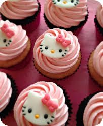 Quite a long while back I had an order for some girly Hello Kitty cupcakes! I quickly got to work researching how I was going to make the little toppers out of fondant. Right away I found some awes… - Tap the link now to see all of our cool cat collect Hello Kitty Torte, Torta Hello Kitty, Hello Kitty Cupcakes, Cat Cupcakes, Birthday Cupcakes, Ladybug Cupcakes, Snowman Cupcakes, Hello Kitty Fondant, 5th Birthday