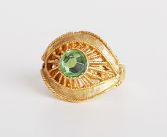 Vintage 60s 70s Green Rhinestone Crystal Gold Ring