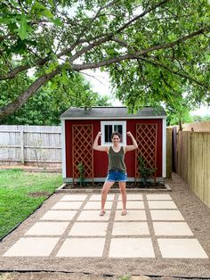 Learn how to build this DIY pea gravel and paver patio in your backyard in just a few days! A paver patio can be a lot of work, but this more casual version is really DIY-friendly! Patio Pavé, Pebble Patio, Pea Gravel Patio, Gravel Landscaping, Backyard Patio Designs, Cheap Patio Pavers, Small Backyard Patio, Diy Terrasse, Backyard Renovations