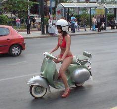 Vespa Bike, Motos Vespa, Piaggio Vespa, Vespa Lambretta, Vespa Scooters, Vespa Vbb, Motard Sexy, Foto Picture, Motorbike Girl