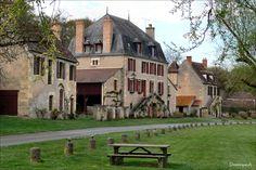 Apremont sur Allier, village médiéval