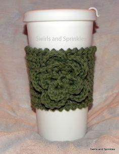 Crochet Flowers Design Swirls and Sprinkles easy free crochet pattern coffee kozie and flower Crochet Coffee Cozy, Crochet Cozy, Unique Crochet, Crochet Gifts, Cute Crochet, Crochet Style, Crochet Things, Easy Crochet, Crochet Puff Flower