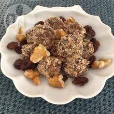 Docinho vegano saudável @ allrecipes.com.br - Uma receita vegan que não leva açúcar e é feita com ingredientes saudáveis.