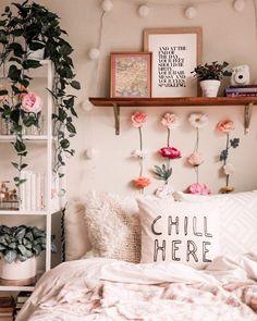 30 Most Beautiful Aesthetic Room Decor Simple - Room Dekor 2021 Cute Room Ideas, Cute Room Decor, Wall Decor, Decoration Inspiration, Decoration Design, Decor Ideas, Flower Decoration, Flower Room Decor, Decorating Ideas