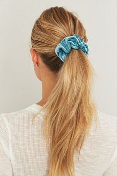 Urban Renewal Vintage Surplus Red and Blue Velvet Scrunchie Two-Pack - Urban Outfitters