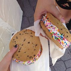 Image uploaded by Find images and videos about food, yummy and delicious on We Heart It - the app to get lost in what you love. Think Food, I Love Food, Good Food, Yummy Food, Yummy Treats, Delicious Desserts, Sweet Treats, Yummy Cookies, Sweet Recipes