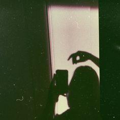Shadow Photography, Tumblr Photography, Girl Photography Poses, Aesthetic Photo, Aesthetic Pictures, Aesthetic Iphone Wallpaper, Aesthetic Wallpapers, Girl Shadow, Shadow Pictures