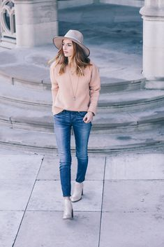 Blush sweater and madewell skinny jeans  - Jess Kirby fall style