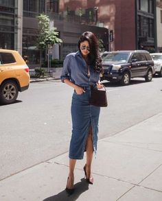 Jean Skirt Outfits: 32 Chic Ways To Wear A Denim Skirt - 32 Stylish Denim Skirt Outfit Ideas - First Date Outfits, Cool Outfits, Summer Outfits, Casual Outfits, First Date Outfit Casual, First Date Dress, Party Outfits, Casual Skirts, Denim Skirt Outfits