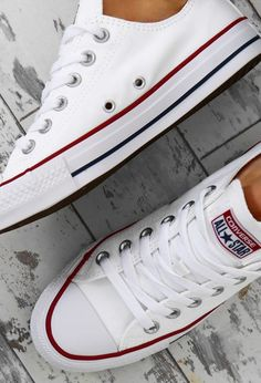 Astra colors) Chuck Taylor Converse All Star White Trainers White Converse Shoes, Converse Sneaker, Sneaker Outfits, Outfits With Converse, White Shoes, Women's Converse, Converse Trainers, Converse Chuck Taylor White, Girls White Converse