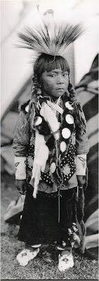 Portraits d'Indiens d'Amérique   Depuis les origines l'humanité à le choix être aveuglée par la vérité ou coudre ses paupières