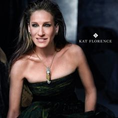 The world largest zultanite in record. Zultanite and diamond pendent necklace, Kat Florence Hollywood Pictures, Celebrity Pictures, Love Her Style, Style And Grace, Celebrity Jewelry, Celebrity Style, Sarah Jessica Parker, Soft Summer, Carrie Bradshaw