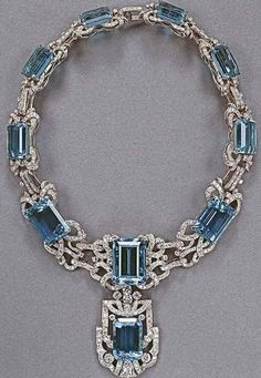 Stunning aquamarine necklace