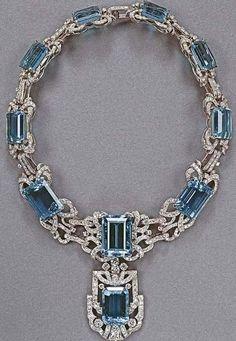 Stunning aquamarine necklace