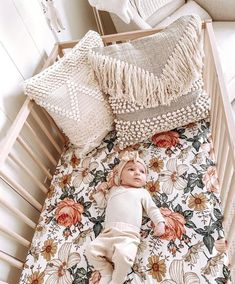 The prettiest boho baby room by Alli Havrilla - Babies - Kinderzimmer Baby Bedroom, Baby Room Decor, Nursery Room, Baby Girl Nursery Bedding, Garden Nursery, Baby Room Design, Boho Nursery, Girl Decor, Nursery Wall Decor