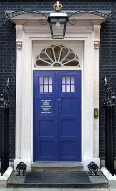 I am still trying to convince my husband that we need to have our front door as the tardis doors... he is bending a little towards saying yes...