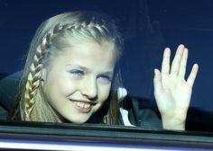 La Princesa Leonor se despide montada en su coche