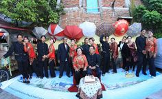 Foto kiriman Tata Ibba  Kompaknya keluargaku Serunya Saudaraku Moment yg terindah Penuh warna #FotoKeluargaEMCO