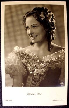 What a darling: Carola Höhn. She starred in UFA Movies.