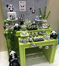 50 Ideias Festa Panda 9 Panda Birthday Cake, Baby 1st Birthday, Boy Birthday Parties, Birthday Party Decorations, Party Themes, Panda Themed Party, Panda Party, Boy Baby Shower Themes, Baby Boy Shower