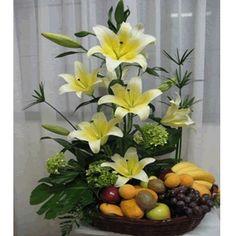 Floral arrangement with fruit Fresh Flowers, Silk Flowers, Spring Flowers, Beautiful Flowers, Ikebana, Altar Flowers, Church Flowers, Large Flower Arrangements, Fruit Arrangements