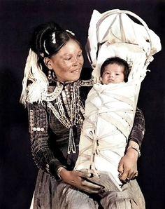 Navajo mother and child. Photo by Joseph Howard McGibbeny. Native American Children, Native American Print, Native American Photos, American Indian Art, Native American History, Native American Indians, Native Americans, Navajo People, Tribal People