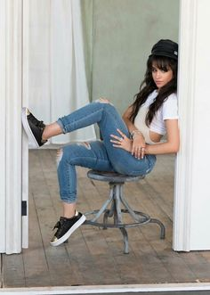 First, Camila Cabello became the new Guess Girl, then she was added to the L'Oreal family as its new spokesperson, and now she's the new face of Skechers. Charli Xcx, School Fashion, Girl Fashion, Ripped Jeans, Mom Jeans, Camila And Lauren, Cute Outfits, Casual Outfits, Style Casual