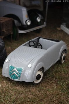 Citroën 2CV pedal car