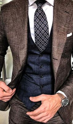 - Men's fashion, style shapes and clothing tips Mens Fashion Wear, Fashion Mode, Suit Fashion, Blazer Outfits Men, Stylish Mens Outfits, Casual Outfits, Traje Casual, Mode Man, Moda Formal