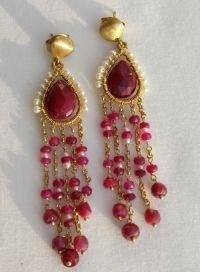 Aros+de+plata+bañados+en+oro+entorchados+con+rubies+y+perlas+cultivadas