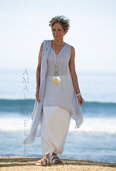 Loose fit elegance of our ice blue linen gauze tunic Dahlia -:- AMALTHEE -:- n° 3498