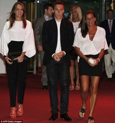 Pauline Ducruet brother Louis and their mother Princess Stephanie of Monaco at the Summer Monaco Fight AIDS Gala 2013 Royal Family News, Monaco Royal Family, Royal Families, Monaco Princess, Princess Charlene, Grace Kelly Granddaughter, Camille Gottlieb, Andrea Casiraghi, Louis Vuitton