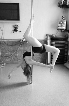 Learn How To Pole Dance From Home With Amber's Pole Dancing Course. Why Pay More For Pricy Pole Dance Schools? Pole Dance Fitness, Pole Fitness Classes, Aerial Hoop, Aerial Silks, Pool Dance, Pole Tricks, Pole Dance Moves, Belly Dancing Classes, Pole Art