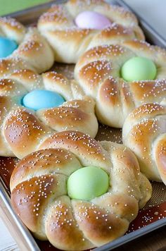This quick and easy Italian Easter Bread recipe is just perfect for Easter! The sweet bread makes a great setting for the eggs, and everything cooks right in the oven! Easter Bread Recipe, Easter Recipes, Holiday Recipes, Brunch Recipes, Easter Meal Ideas, Easter Desserts, Fun Recipes, Brunch Ideas, Recipes Dinner