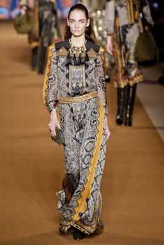 View the Etro Fall 2014 RTW collection. See photos and video of the F2014RTW runway show. Etro