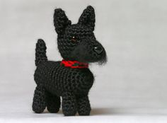 Scottish Terrier (shown with collar not included) Approximately 4x6 Email me with your custom requests, no extra charge  **Add a collar for $1.00 extra, your choice of color, see listing under Accessories in my shop to purchase.**  (pattern by June Gilbank)  Each item is made to order, allow approximately 4-6 weeks for delivery