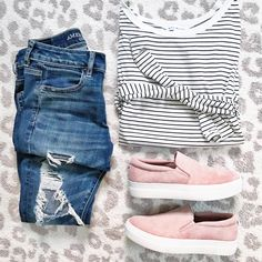 Striped tee and sneakers casual outfit inspiration | sunsetsandstilettos