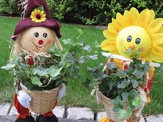 Sweet Scarecrow Planters | Fun Scarecrow Ideas To Make For Halloween And All Year Round
