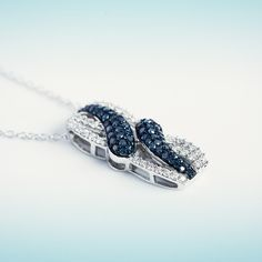 Classical and coloured diamonds make this pendant to be an evergreen. Coloured Diamonds, Diamond Pendant, Prague, Evergreen, Garnet, Luxury Fashion, Gems, Necklaces, Jewels