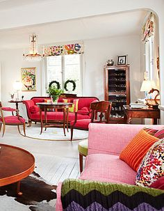 Swedish Home Decorated with Josef Frank design - Swedish Decor Transitional Coffee Tables, Transitional Living Rooms, Transitional Decor, Transitional Kitchen, Josef Frank, Swedish Decor, French Decor, Living Room Tv, White Rooms