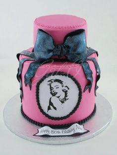 Marilyn Monroe Pink, Bow Cake