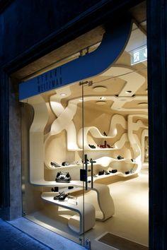 Milanese architect/designer Fabio Novembre has sent us images of his latest project - a flagship store for American shoe brand Stuart Weitzman at 27 Via dei Condotti in Rome.