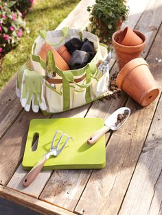 Garden tools allow you to take on heavy and difficult tasks with relative ease, but exposure to the elements can corrode them. Protect your investment by following our Garden Club guidelines.