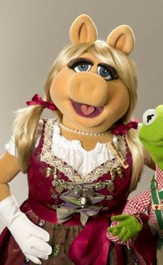 Miss Piggy im Dirndl Kermit And Miss Piggy, Kermit The Frog, Pepe Le Pew, Mighty Mouse, The Muppet Show, Famous Cartoons, Happy Together, Jim Henson, Female Stars