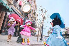 みなさん、こんにちは。 3月2日(金)の今日は、ミニーマウスの日なんです! ミニーはおしゃれな服を着て、デイジー、クラリスと待ち合わせ♪ デイジーとクラリス...