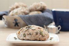 Müslibrød, eller müslirundstykker, om du vil Brie, Food Inspiration, Korn, Muffin, Rolls, Favorite Recipes, Baking, Breakfast, Breads