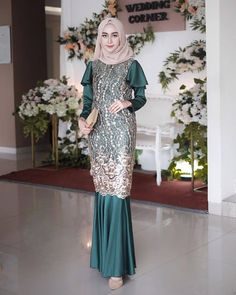 Source by ii_Maya dresses muslim Dress Brokat Muslim, Dress Brokat Modern, Kebaya Modern Dress, Model Kebaya Modern, Dress Pesta, Kebaya Muslim, Muslim Dress, Hijab Evening Dress, Hijab Dress Party