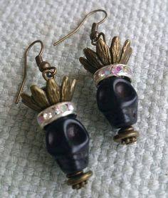 Items similar to Black skulls on Etsy Skull Necklace, Skull Jewelry, Wire Jewelry, Handmade Jewelry, Halloween Jewelry, Halloween Skull, Black Skulls, Sugar Skulls, Skull Art
