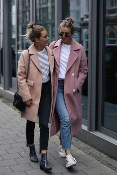 Coat in exceptional color - winter fashion. Coat in exceptional color – winter fashion. Wool coat in peach with patch pockets or long coat in pink. Styling for a casual everyday outfit Mode Outfits, Casual Outfits, Fashion Outfits, Womens Fashion, Fashion Trends, Fashion News, Fall Winter Outfits, Autumn Winter Fashion, Autumn Look
